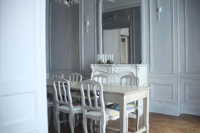 парижский стиль в интерьере - классическое оформление стен