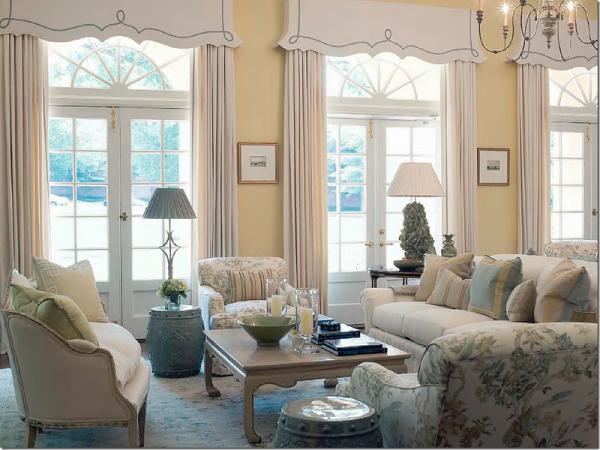 гостиная в бледных тонах Фоеби Ховард