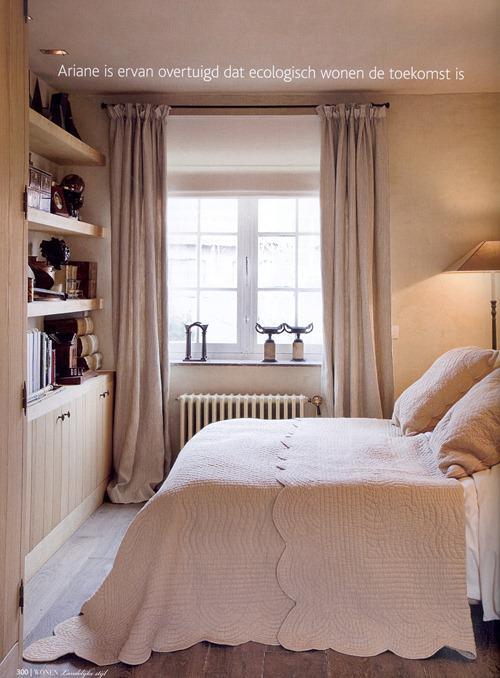 Типичная для бельгийского интерьера спальня