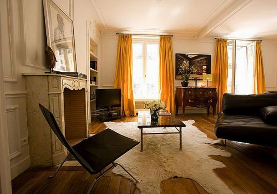типичный интерьер парижской квартиры в османовском доме